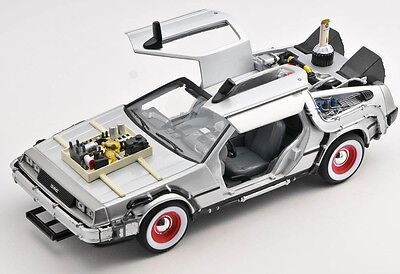 BLITZ VERSAND Back to the Future III DeLorean 3 ZEITMASCHINE Welly 1:24 NEU OVP