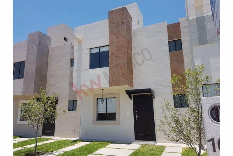 Vendo casa tres recámaras, excelente ubicación. Querétaro