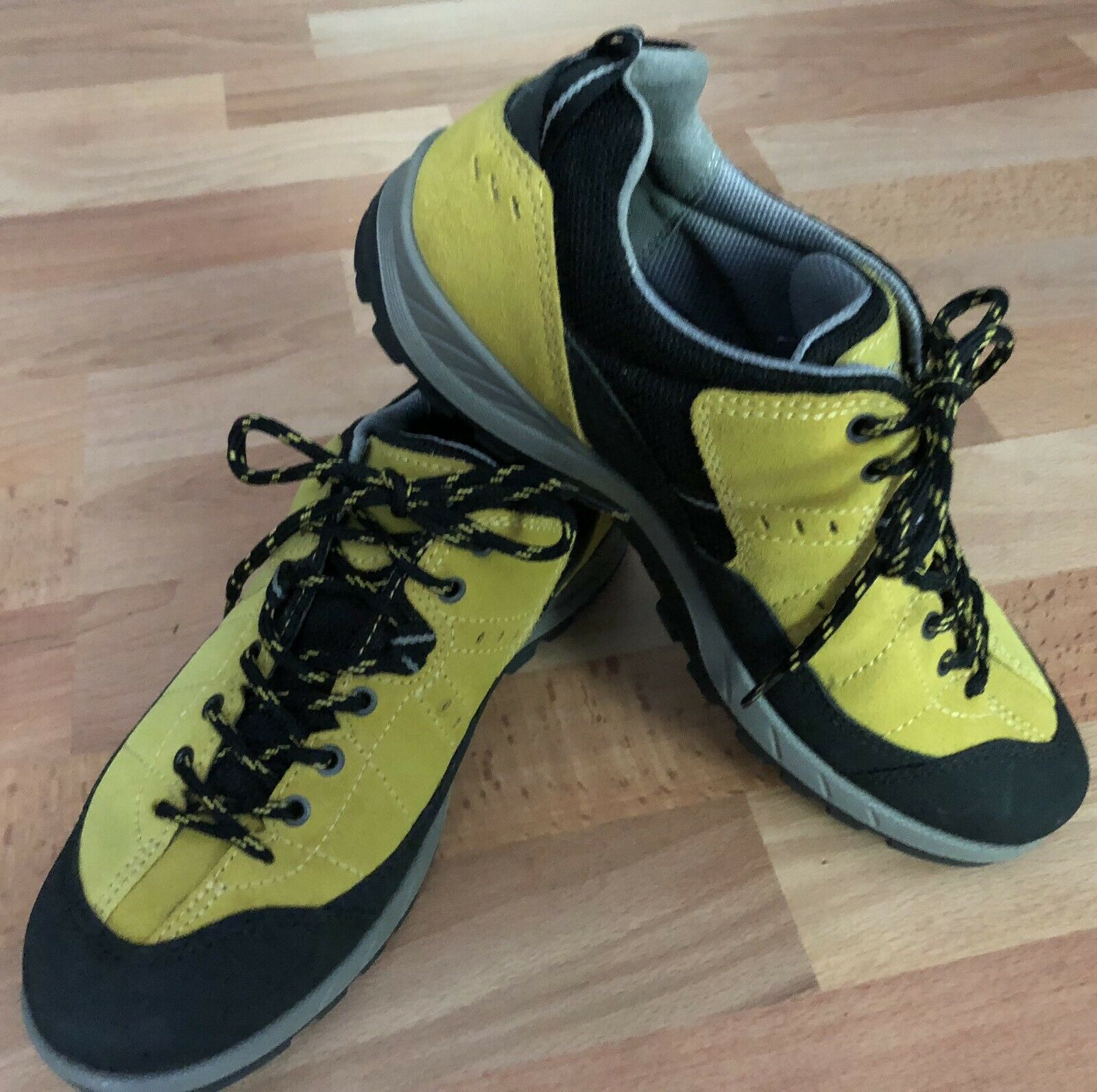 Ecco Yura GTX Oxford Hiking Sport Outdoor shoes  Goretex Suede Yellow Womens 38  factory outlet