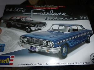 REVELL 1964 FORD FAIRLANE 2N1 1/25 MODEL CAR MOUNTAIN FS STREET MACHINE
