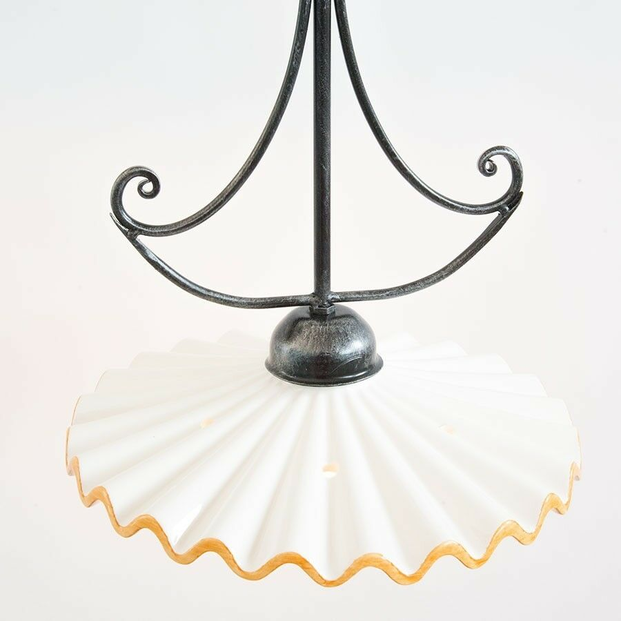 Lampadario in bianca ferro con ceramica bianca in e gialla 182571