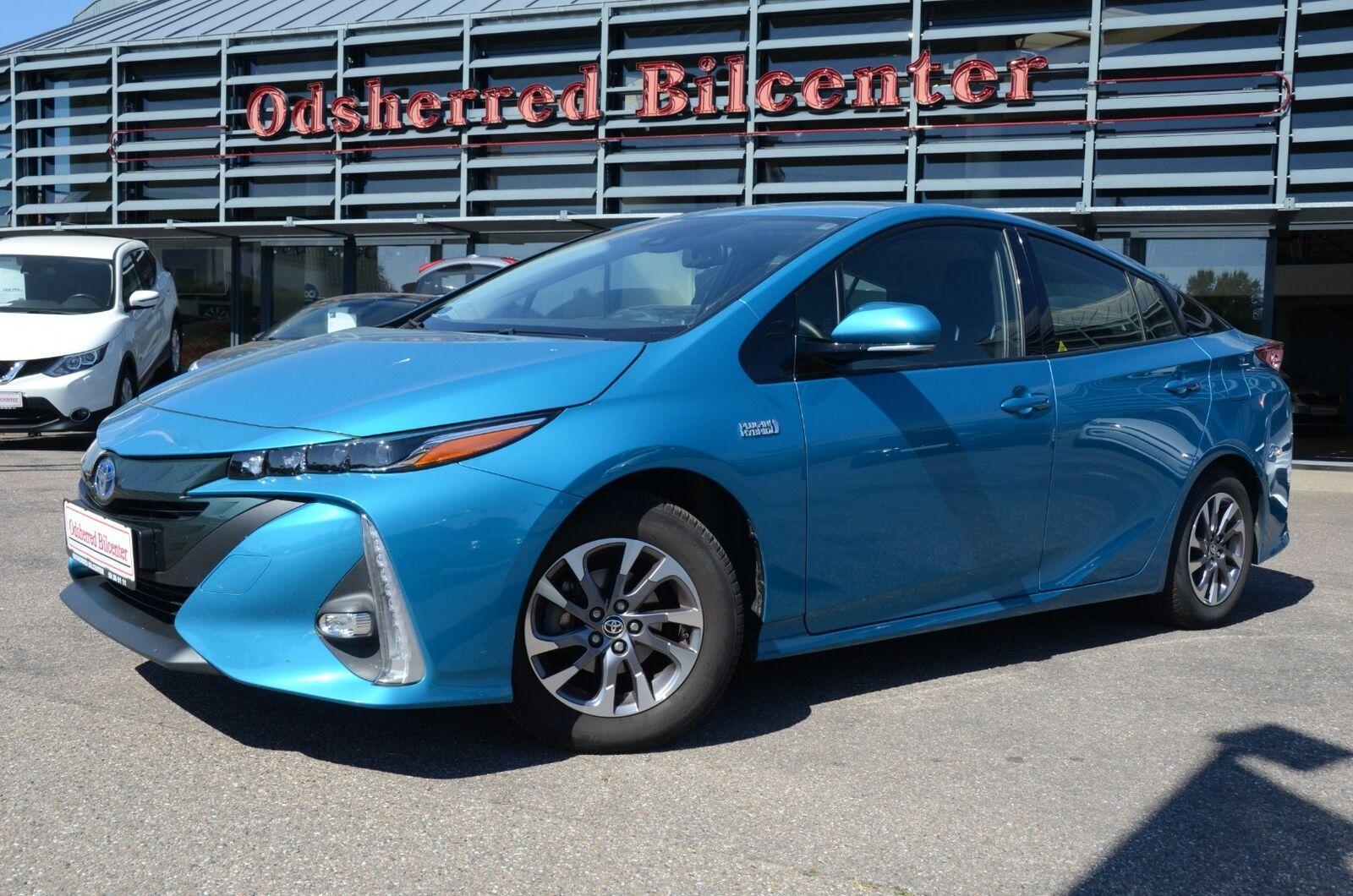 Toyota Prius 1,8 Plug-in Hybrid H3 MDS 5d - 229.775 kr.