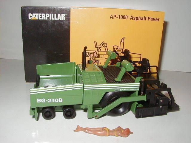 precios razonables Caterpillar ap 1000 bg bg bg 240 B terminados Barber verdee  3881 NZG 1 50 OVP  con 60% de descuento