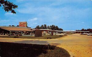 Albany-Georgia-James-Rivers-Motel-Terrace-Restaurant-Pool-Cabanas-1950s-Cars-PC