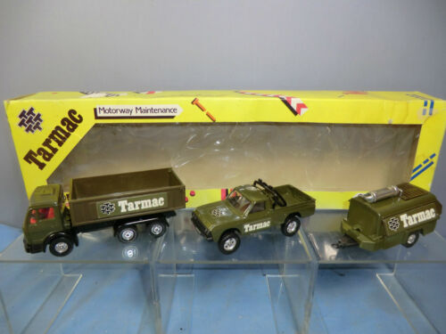 CORGI TOYS MODEL No.C15 'TARMAC' 3 VEHICLE SET VN MIB