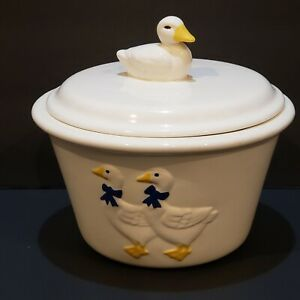 Vintage-Duck-Blue-Bow-Bowl-With-Lid