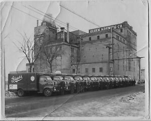 4-Original-1940-039-s-1950-039-s-era-Glueks-Beer-Brewing-Co-8x10-photos-Delivery-Trucks