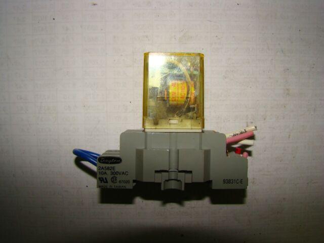 IDEC RH2B-UL Relay 110-120V