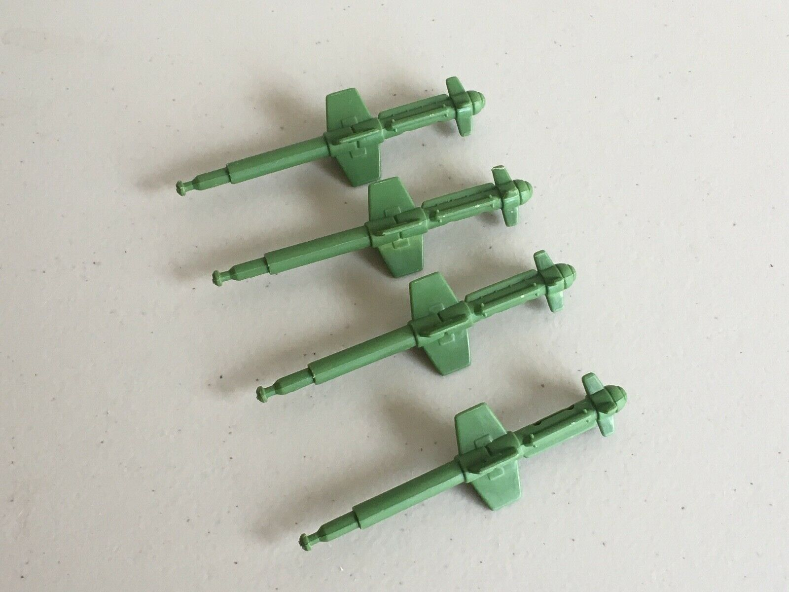 Vintage 1980's Hasbro G.I. G.I. G.I. Joe Vehicle Guns Weapons Missiles Parts & Accessories 45d40a