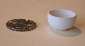 One-034-small-serving-bowl-034-unpainted-bisque-dollhouse-miniature-sized