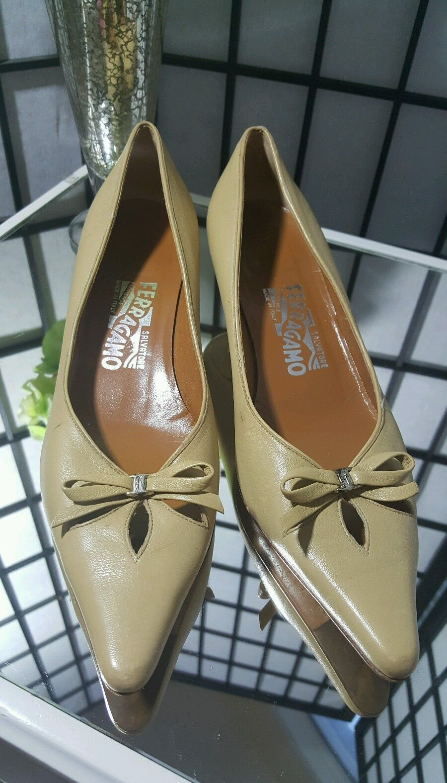 Salvatore Ferragamo Carla Nude Bow Kitten Pump Heel Pump Kitten Shoe Sz 6.5 B $575 f5ee79