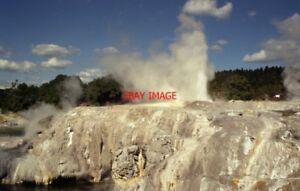 PHOTO-NEW-ZEALAND-ROTORUA-GEYSERS
