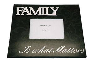 Photo-Frame-Family-Retro-034-Family-is-What-Matters-034-Black-amp-White-4x6-034-SG1408