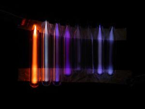 Ampullen-individuelle-Grosen-Gase-geissler-tube-Vakuum-Lutz-Neumann