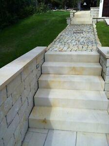 7-Stueck-Blockstufen-100-30-17-gesaegt-Sandstein-beige-gelb-Naturstein