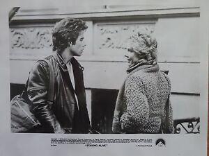Photographie-Staying-alive-John-Travolta-cynthia-Rhodes-S-Stallone-1983