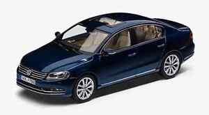 GENUINE-VW-PASSAT-B7-SALOON-NIGHT-BLUE-METALLIC-1-43-SCALE-DIECAST-MODEL-CAR