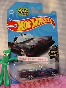 Classic-TV-SERIES-BATMOBILE-118-Black-blue-flames-BATMAN-2019-i-Hot-Wheels-L-M