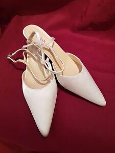 5d546d9a7f Das Bild wird geladen Brautschuhe-Schuhe-Ivory-Gr-43-Spitze-Satin -Hochzeitsschuhe-