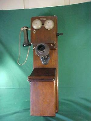 Vintage Oak Bell wall crank phone Excellent shape rare piece great condition
