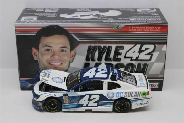 DC Solar NASCAR Diecast 1: 24 Scale 2018 Chevrolet Camaro Kyle Larson Lionel Racing