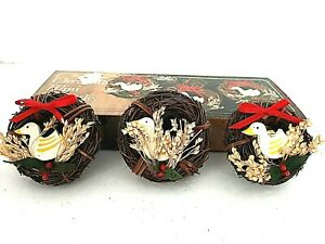 Christmas-Mini-Wreath-Geese-or-Duck-Christmas-Ornaments-Vintage-Set-of-3-in-Box