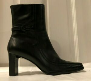 Etienne-Aigner-Waverly-Black-Heeled-Women-039-s-Ankle-Boots-w-Buckle-Size-7