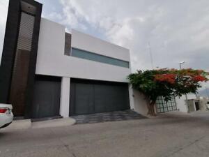 VENTA Casa en Lomas del Campestre, de revista, todo lujo!!!