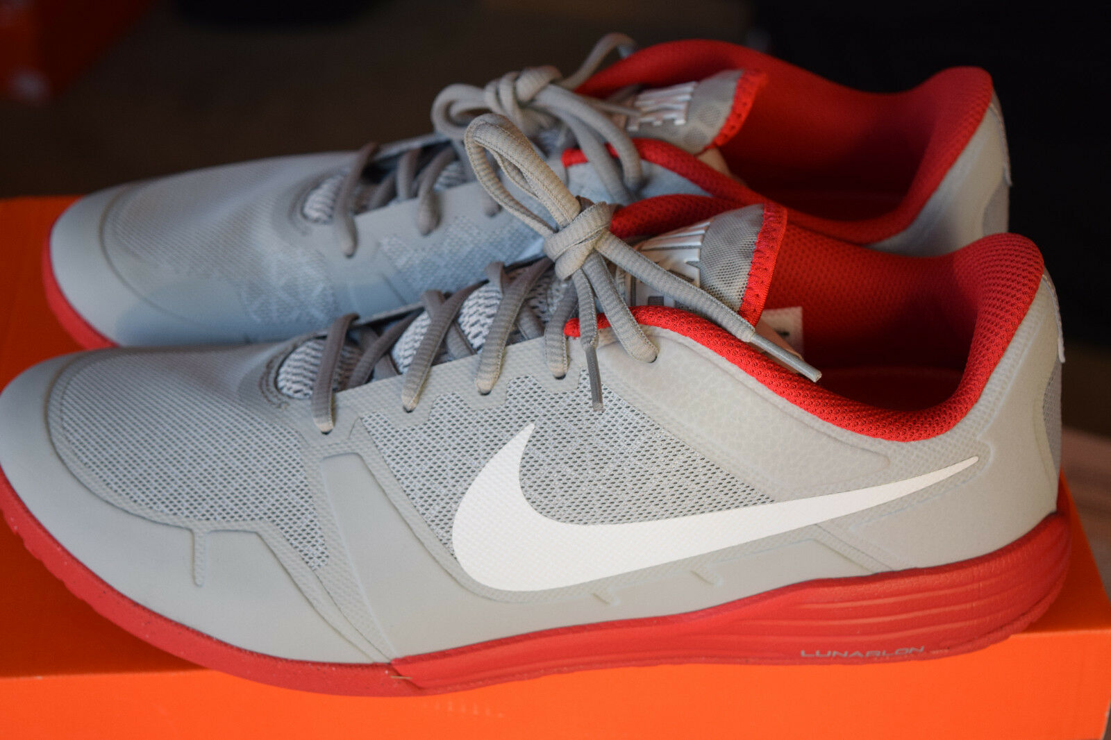 New In Box Nike Lunar Ultimate TR Mens Premium shoes Sz 11 Wolf Grey, Red, White