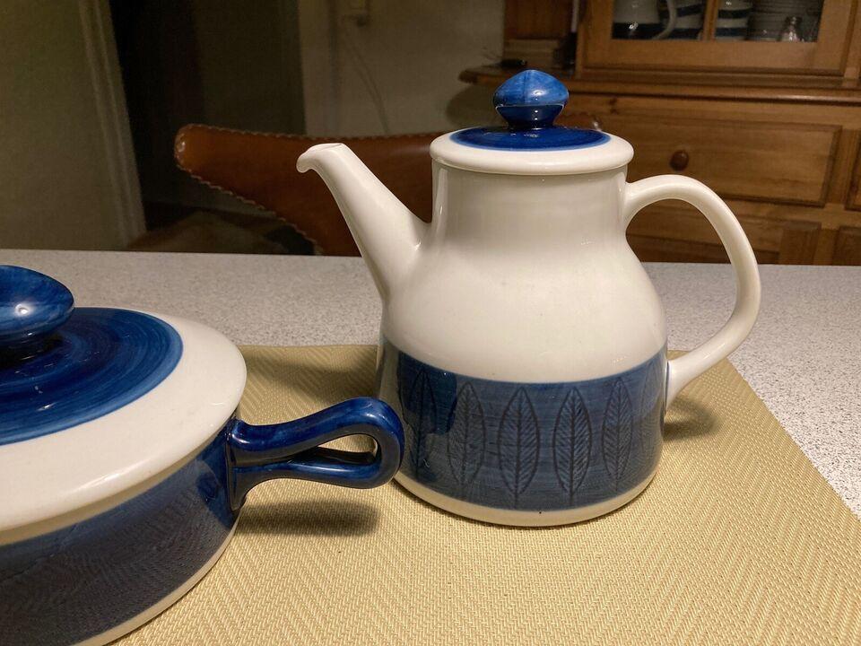 Porcelæn, Blå Koka sildeskåle nr 62 og 64 og kaffekande nr