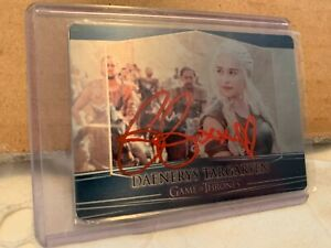 EMILIA-CLARKE-SIGNED-GAME-OF-THRONES-2017-VALYRIAN-STEEL-METAL-CARD-AUTOGRAPH