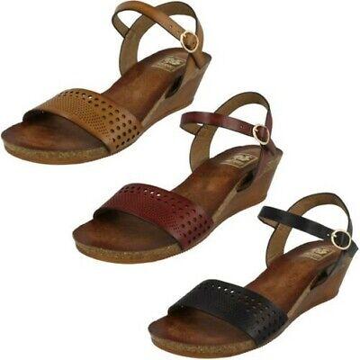R34B Down to Earth F0R754 Ladies Gold  Summer Toe Loop Sandals Kett