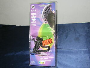 Aliens-Bracelet-Watch-to-the-Film-Moc-1993-Iconic-Orig-Packaging-H-R-Giger