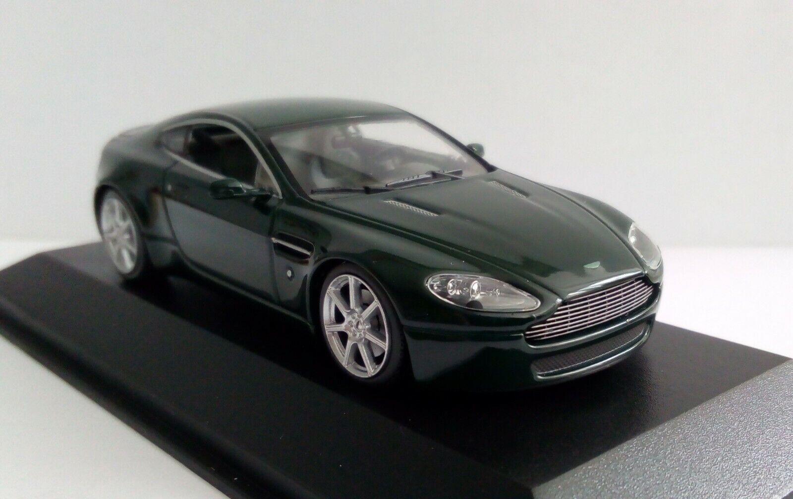 Rare MINICHAMPS 400 137424 1 43 Aston Martin V8 Vantage green 2005