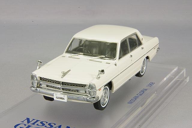 ENIF 1:43 Nissan Gloria PA30 Super DX Gloria bianca from Japan