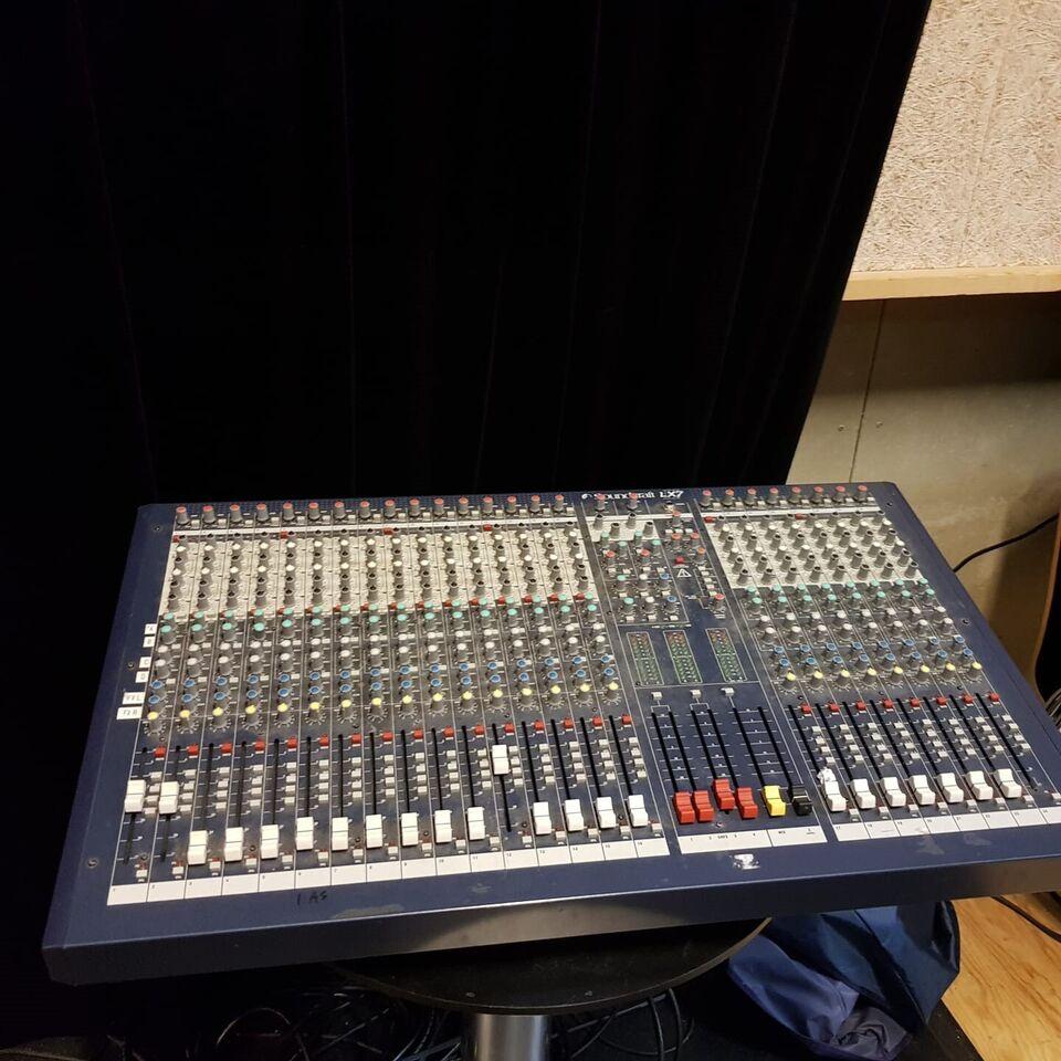 Mixer, Soundcraft LX-7 II 24