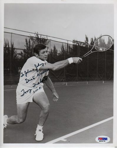 TONY TRABERT TENNIS LEGEND WORLD SIGNED PHOTO PSA