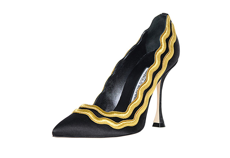 New Manolo Blahnik MIKELONA 105 Black Satin gold shoes Pumps Heels 35 36 40.5