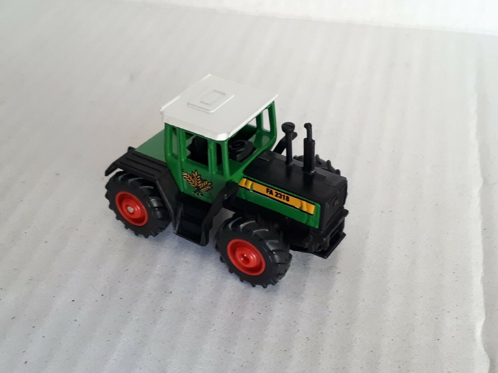 Rare German Matchbox 1998  5 Mercedes Trac 1600 Turbo Tractor verde  Mint  Loose