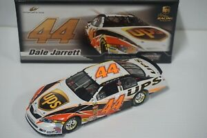 1-24-Dale-Jarrett-44-UPS-2007-NASCAR-Die-cast-Car-by-Action-Hard-to-Find