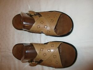 Clarks-66226-sandals-shoes-tan-leather-size-8-M-USED-EUC
