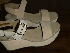 b4135e6c0f4 Image is loading Clarks-Aisley-Orchid-Wedge-Sandals-Women-039-s-