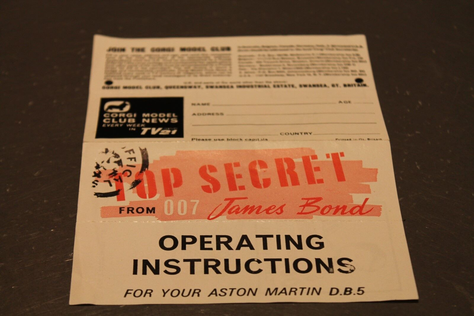 CORGI TOYS  Club leaflet & DESCRIPTION Aston Martin Martin Martin db5  Top Secret f1e2e0