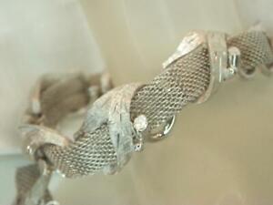 Pretty vintage Silvertone bracelet