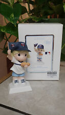 "PRECIOUS MOMENTS ""YOU MAKE IT A FAN-TASTIC DAY!"" 940045 MINNESOTA TWINS GIRL/NEW"