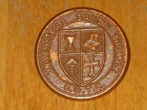 WW2-Canadian-Cap-Badge-St-Thomas-University-COTC-nice