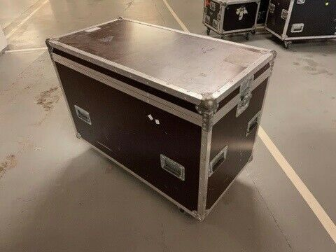 Flightcase m. TV inddeling L113 x B60 x H73(86)