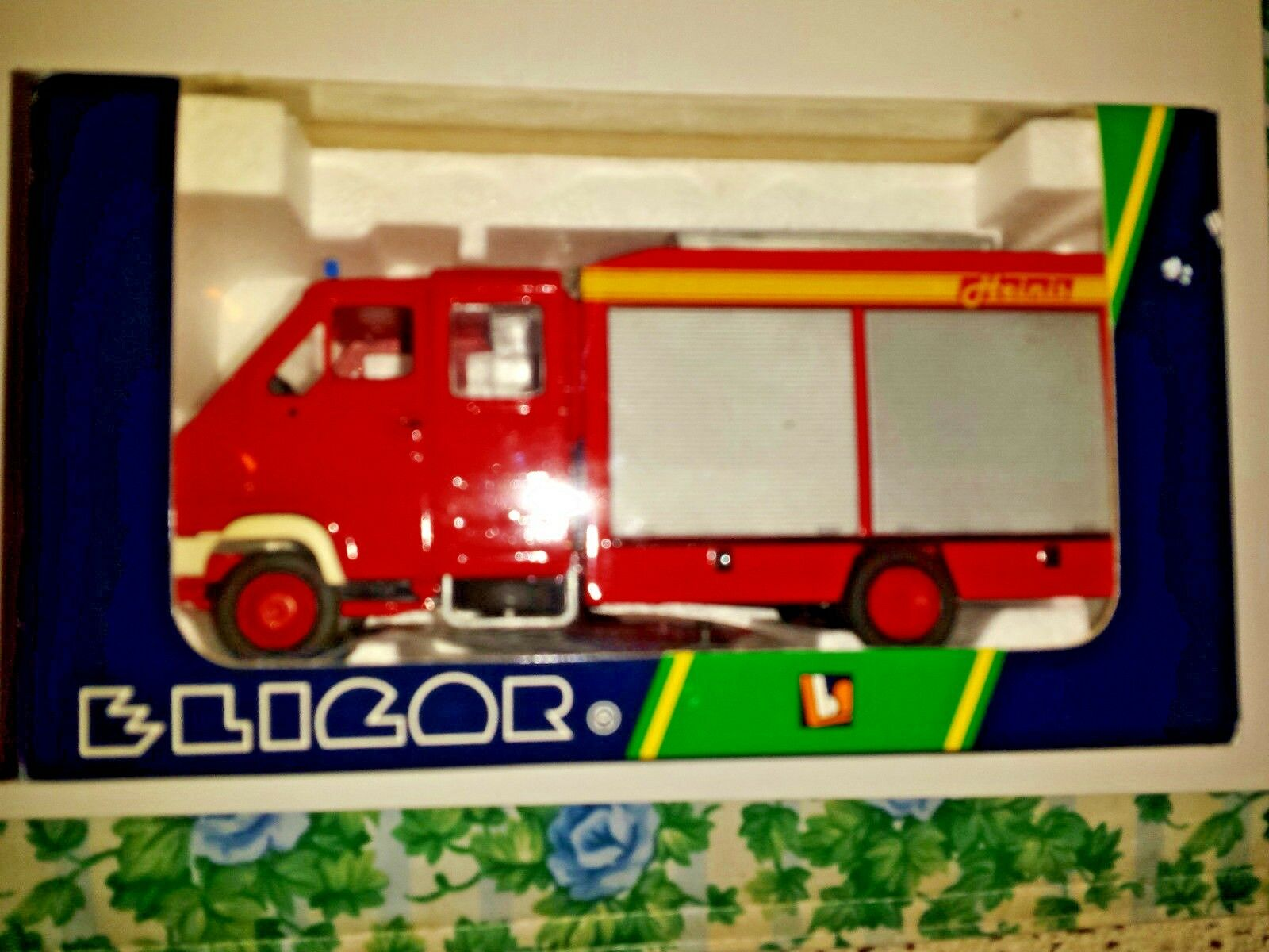 Elicor Renault B120 Double Cabine Heinis 1 43 Scale Die Cast Surber 1421