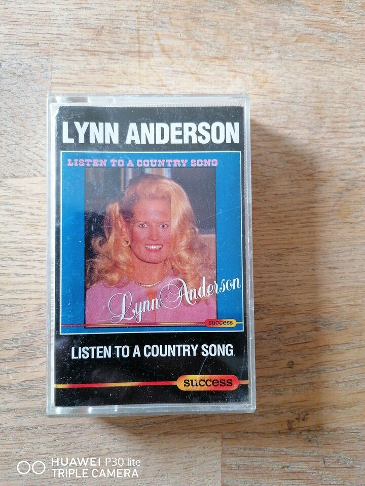 Bånd, Lynn Anderson, Listen to a country song