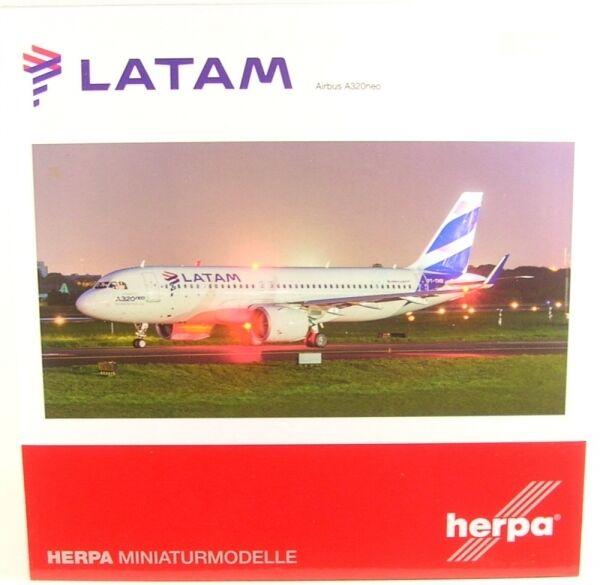 Vous êtes en bonne santé pour la nouvelle année. Airbus a320neo LATAM (Reg. PT-TMN) | Produits De Qualité